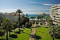 Cannes holiday rental apartment south of france cote d'azur sfhv gorgeous blue sea palm trees sun summer beach walking distance to shops