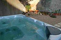 L'Hirondelle - 3 bedrooms and spa pool