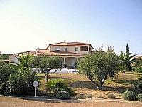 Villa. Narbonne. Languedoc. Property. Holiday Home. Outside view.